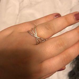 Crossover Ring